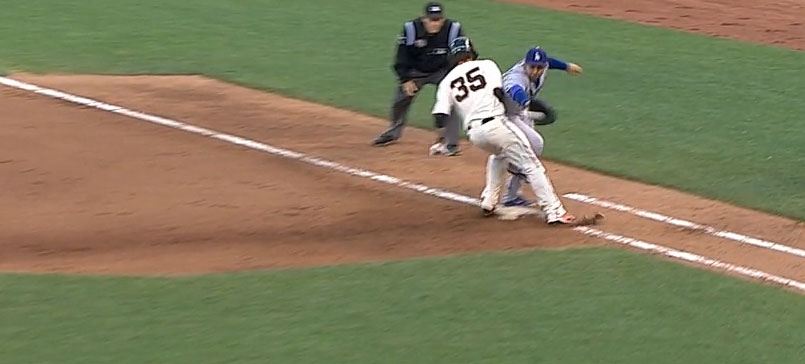 gonzalez_grabs_uribe_throw